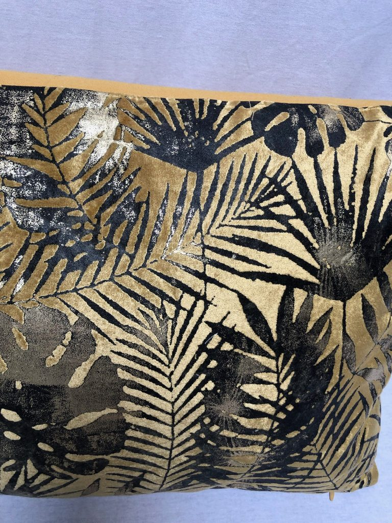 Colmore palm leaves kussen